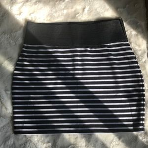 Dynamite stripped skirt size large